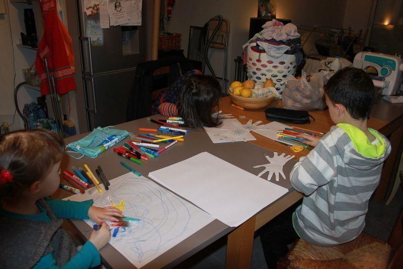 IMG_5764-Atelier-creation-de-cartes-avec-les-enfants.jpg